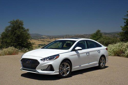 Bảng giá xe Hyundai mới nhất tháng 1/2019: Hyundai Santa Fe thế hệ mới từ 1,1-1,3 tỷ đồng. - Ảnh 1