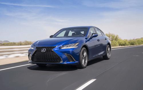 """Bảng giá xe ô tô Lexus mới nhất tháng 2/2019: """"Chuyên cơ mặt đất"""" Lexus LX570 tăng thêm 370 triệu đồng - Ảnh 2"""