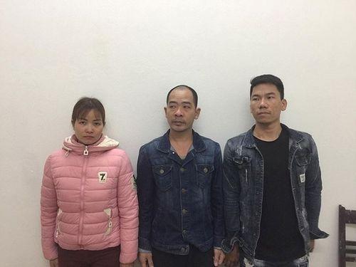 Hà Nội: Phá ổ cờ bạc có trang bị súng đạn và lắp camera, 16 người bị tạm giữ  - Ảnh 1