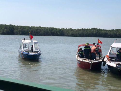TP.HCM: Tàu hút cát bị chìm, 1 người mất tích - Ảnh 1