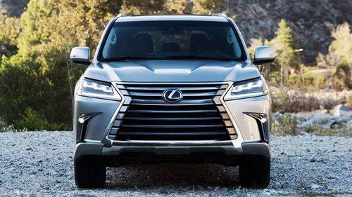 """Bảng giá xe Lexus mới nhất tháng 3/2019: Chuyên cơ mặt đất"""" Lexus LX570 tăng tới 370 triệu đồng - Ảnh 1"""