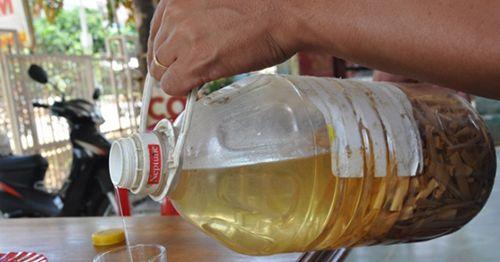Bị suy thận chỉ vì nghĩ rượu độc là thuốc bổ thận tráng dương cực đỉnh - Ảnh 3