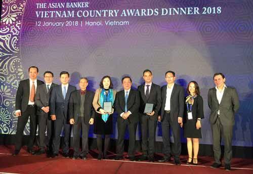 """VietinBank và """"cú ăn 3"""" tại Vietnam Country Awards 2018 - Ảnh 2"""