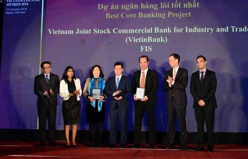 """VietinBank và """"cú ăn 3"""" tại Vietnam Country Awards 2018 - Ảnh 1"""
