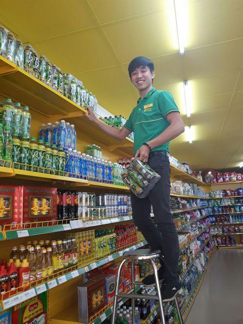 18 tuổi: cặp song sinh làm quản lý siêu thị bán hàng tiêu dùng có tiếng tại TP.HCM - Ảnh 3