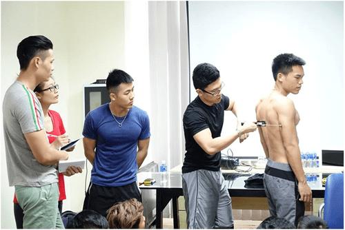 Báo động tình trạng giới công sở Việt mắc các bệnh văn phòng - Ảnh 3