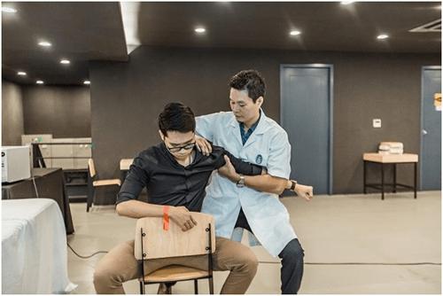Báo động tình trạng giới công sở Việt mắc các bệnh văn phòng - Ảnh 4