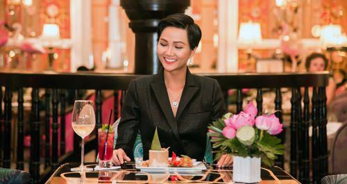 Tân Hoa hậu hoàn vũ H'Hen Niê trải nghiệm ẩm thực ấn tượng tại Khu nghỉ dưỡng mới đẳng cấp nhất thế giới - Ảnh 3
