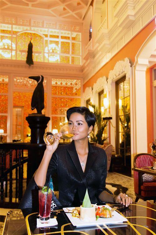 Tân Hoa hậu hoàn vũ H'Hen Niê trải nghiệm ẩm thực ấn tượng tại Khu nghỉ dưỡng mới đẳng cấp nhất thế giới - Ảnh 4