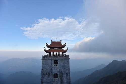 Thán phục trước sự kỳ vĩ của những công trình tâm linh trên đỉnh Fansipan - Ảnh 4