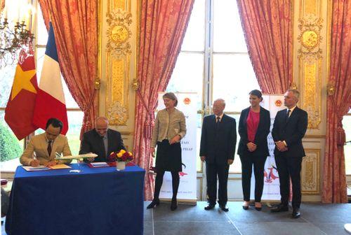 Tập đoàn FLC và Airbus chính thức ký kết hợp đồng thoả thuận mua 24 máy bay A321NEO tại Pháp cho Bamboo Airways  - Ảnh 1