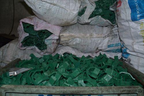 Hà Nội: Thu giữ, niêm phong hàng nghìn sản phẩm thanh kẹp giả mạo nhãn hiệu - Ảnh 4