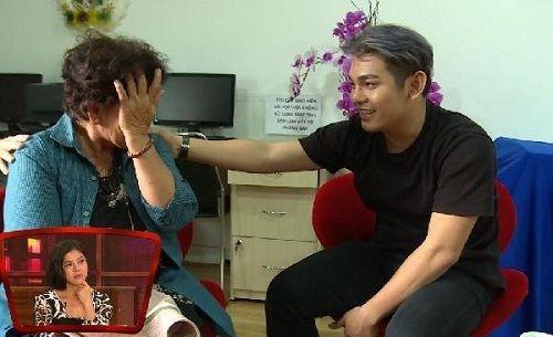 Sơn Ngọc Minh thừa nhận mình đồng tính, mẹ bật khóc nức nở trên sóng truyền hình - Ảnh 1