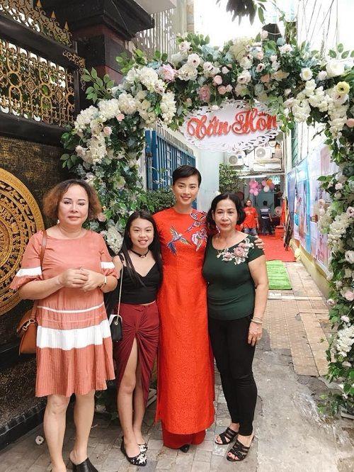 Dân mạng xôn xao trước hình ảnh Ngô Thanh Vân mặc áo dài trong lễ rước dâu - Ảnh 2