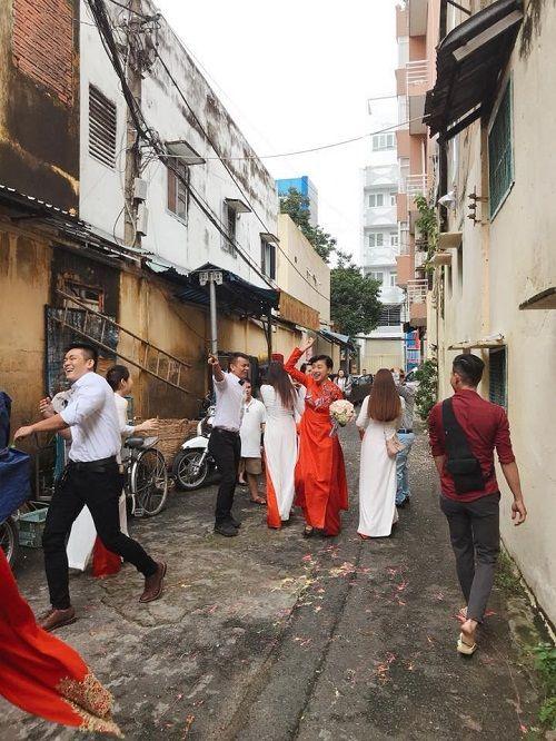Dân mạng xôn xao trước hình ảnh Ngô Thanh Vân mặc áo dài trong lễ rước dâu - Ảnh 6