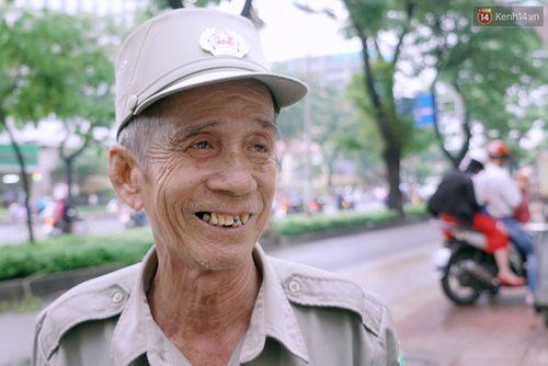 Chuyện chưa kể về bác bảo vệ học sinh chuyên Lê Hồng Phong cúi đầu chào mỗi ngày: Hiệp sỹ 21 lần bắt cướp - Ảnh 2