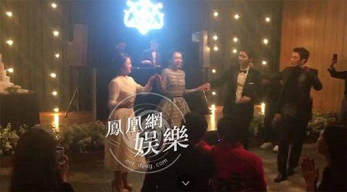 Cô dâu Song Hye Kyo chuếnh choáng vì rượu, khiêu vũ tưng bừng bên chú rể Song Joong Ki  - Ảnh 3