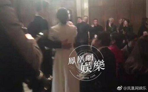 Cô dâu Song Hye Kyo chuếnh choáng vì rượu, khiêu vũ tưng bừng bên chú rể Song Joong Ki  - Ảnh 4