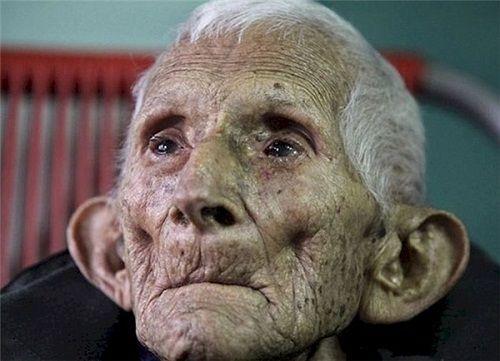 Rơi nước mắt với bài thơ của ông già cô độc ở viện dưỡng lão - Ảnh 2