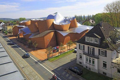 """Những công trình kiến trúc kỳ lạ, độc đáo """"thách thức"""" mọi định luật vật lý - Ảnh 15"""