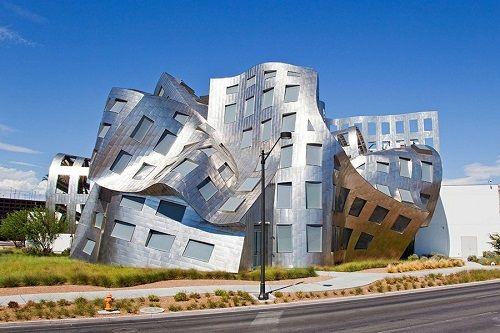 """Những công trình kiến trúc kỳ lạ, độc đáo """"thách thức"""" mọi định luật vật lý - Ảnh 3"""