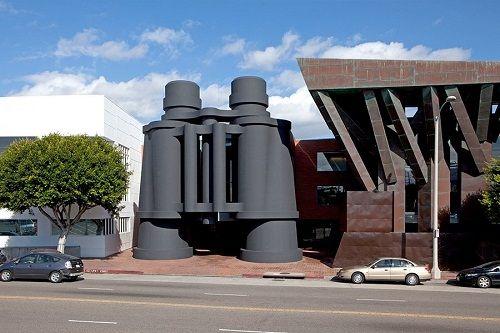 """Những công trình kiến trúc kỳ lạ, độc đáo """"thách thức"""" mọi định luật vật lý - Ảnh 13"""