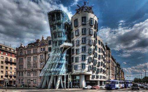 """Những công trình kiến trúc kỳ lạ, độc đáo """"thách thức"""" mọi định luật vật lý - Ảnh 4"""