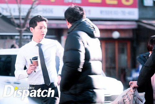 """Vẻ điển trai """"bất phân thắng bại"""" của Song Joong Ki và Park Hae Jin - Ảnh 3"""