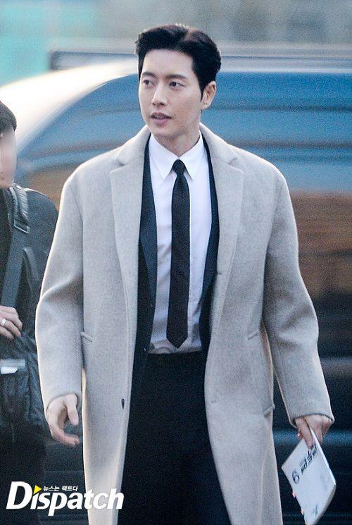 """Vẻ điển trai """"bất phân thắng bại"""" của Song Joong Ki và Park Hae Jin - Ảnh 8"""