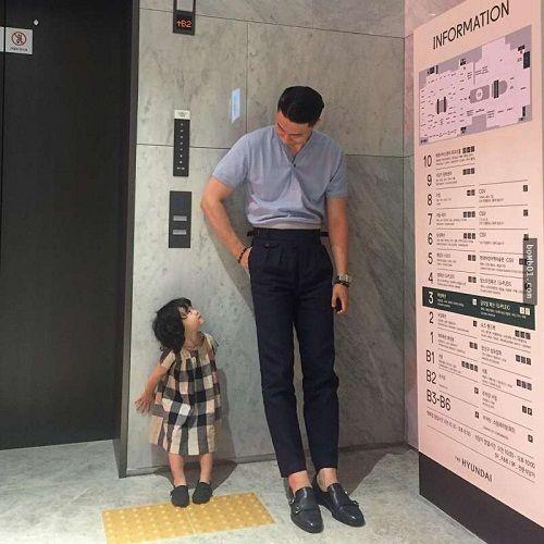 Mẹ ghen tỵ khi xem loạt ảnh siêu đáng yêu của ông bố Hàn Quốc và con gái - Ảnh 1