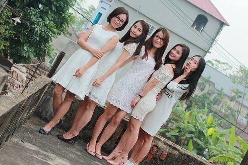 Dân mạng ngưỡng mộ gia đình có 5 cô gái xinh đẹp thiếu vắng cha từ bé - Ảnh 2