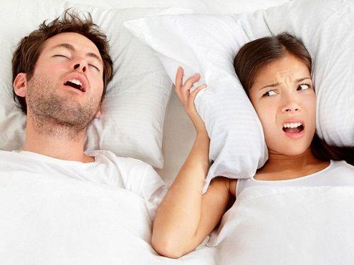 Chồng đang ngáy to rồi lại ngưng bặt và những điều người làm vợ nên biết về bệnh lý ngủ ngáy - Ảnh 1