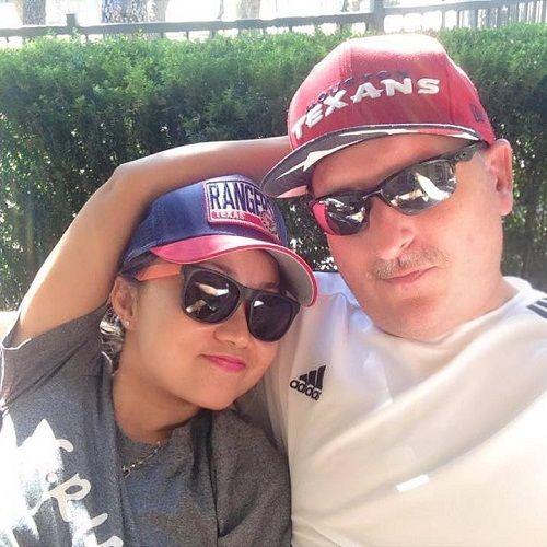 Quá yêu cô gái Việt, anh chàng người Mỹ chấp nhận mất việc, giả vờ ngủ quên ở sân bay - Ảnh 2