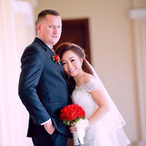 Quá yêu cô gái Việt, anh chàng người Mỹ chấp nhận mất việc, giả vờ ngủ quên ở sân bay - Ảnh 3