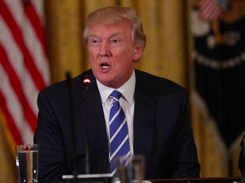 Nhà Trắng: Cáo buộc về cuộc gặp giữa Donald Trump và Đại sứ Nga là vô lý - Ảnh 1