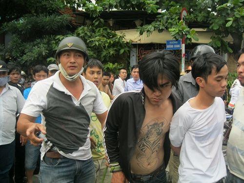Hiệp sĩ bắt cướp bị phơi nhiễm HIV - Ảnh 2