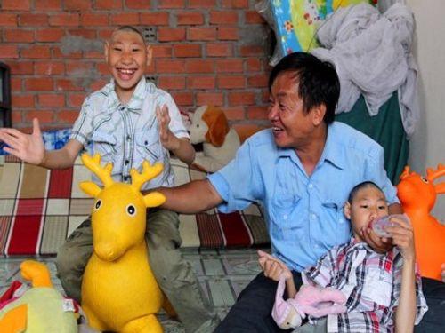 Mẹ 2 cháu teo não: Anh Nghị mua nhà ở Nha Trang và muốn đưa các con sang Mỹ - Ảnh 1