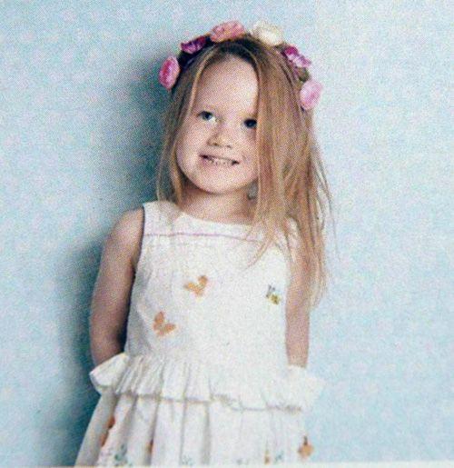 Bố mẹ lặng lẽ khiêng quan tài con mà rỏ lệ: Câu chuyện xúc động sau cái chết của cô bé 4 tuổi - Ảnh 2