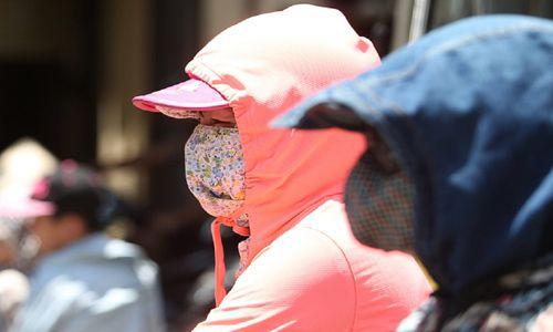 Những bức ảnh khủng khiếp về nắng nóng - Ảnh 13