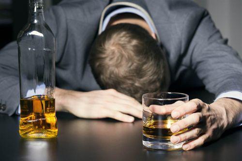"""Vị CEO từng  """"tắm"""" mình trong rượu đã thoát khỏi viêm loét dạ dày bằng cách nào? - Ảnh 1"""