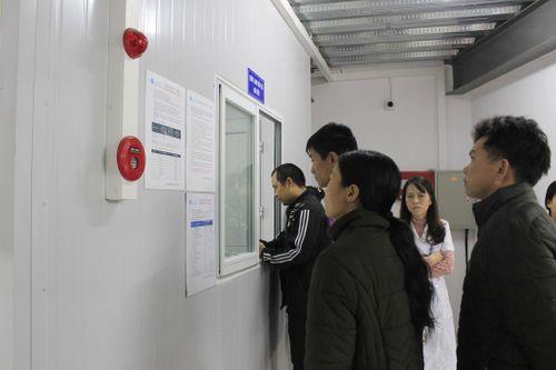GS.TS Lê Ngọc Thành - Giám đốc Bệnh viện E: Trái tim đau nhói thấy người nhà bệnh nhân nằm gầm cầu thang  - Ảnh 3