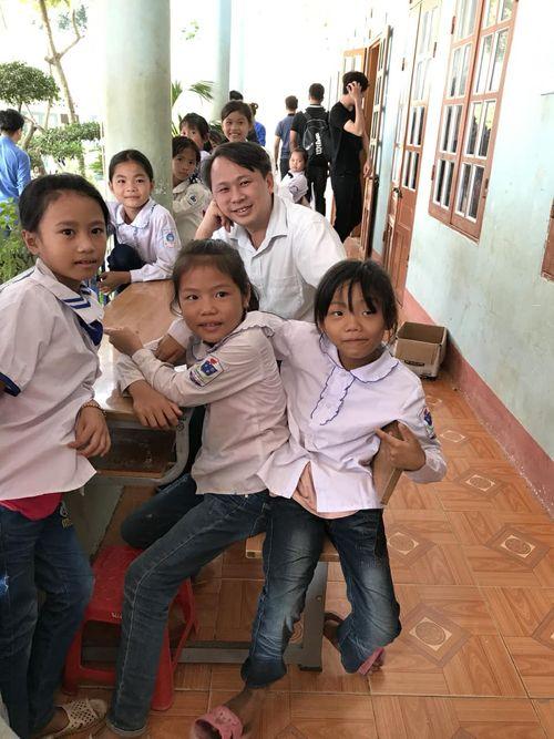 Những đứa trẻ làm nhói đau trái tim người bác sĩ vừa nhận Giải thưởng Đặng Thùy Trâm - Ảnh 3