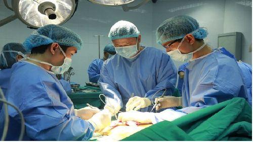 Kỳ tích: Lần đầu tiên Việt Nam ghép phổi thành công từ người cho chết não - Ảnh 1