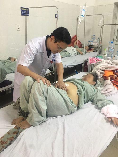 Xương gà chọc thủng ruột non: Bệnh nhân được cứu sống - Ảnh 2