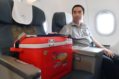 Nín thở theo dõi chuyến bay vận chuyển tạng của nam thanh niên tặng cho nhiều người tại Huế  - Ảnh 2