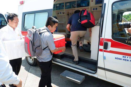 Nín thở theo dõi chuyến bay vận chuyển tạng của nam thanh niên tặng cho nhiều người tại Huế  - Ảnh 1