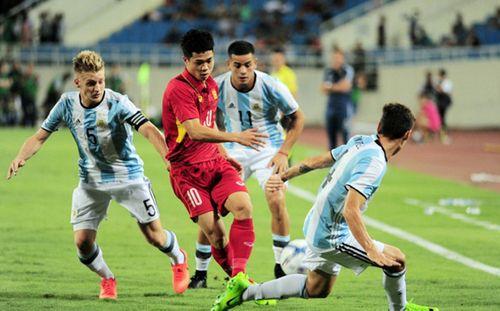 Bóng đá Việt đang được hưởng điều