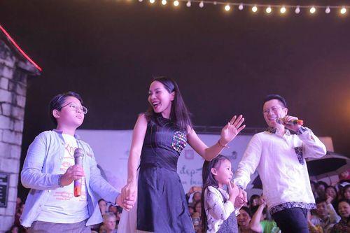 Hoàng Bách hát cùng người đẹp khuyết tật ở Sapa - Ảnh 2