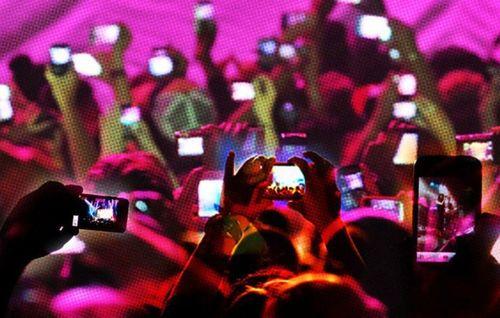 Trên thế giới, live-stream chia sẻ phim trái phép bị xử lý như nào? - Ảnh 1