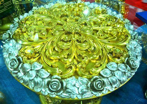 """""""Hoa mắt"""" vì ngắm bộ bàn ăn dát vàng giá gần nửa tỷ đồng  - Ảnh 4"""